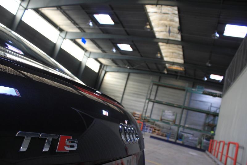 Concours PhoTo : Le TT eT le Garage - Page 5 111