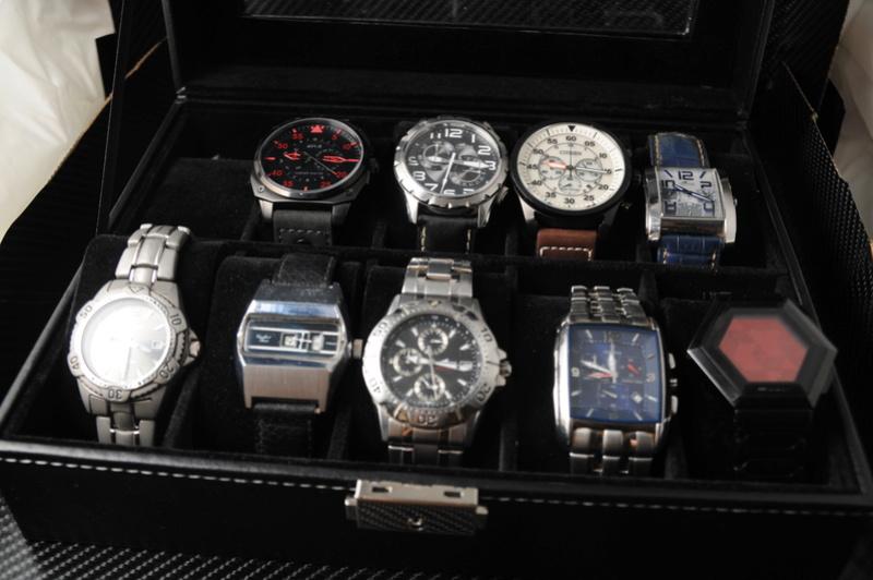 [SUJET UNIQUE] écrin, boîte ou coffret pour ranger les montres... tome II Dsc_0212