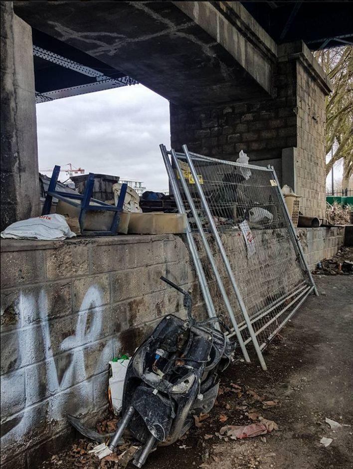 Encombrants, poubelles et caddies Clipbo42