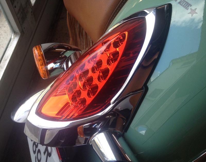 KURYAKIN Taillight Top Trim (enjoliveur de feu arrière) D10