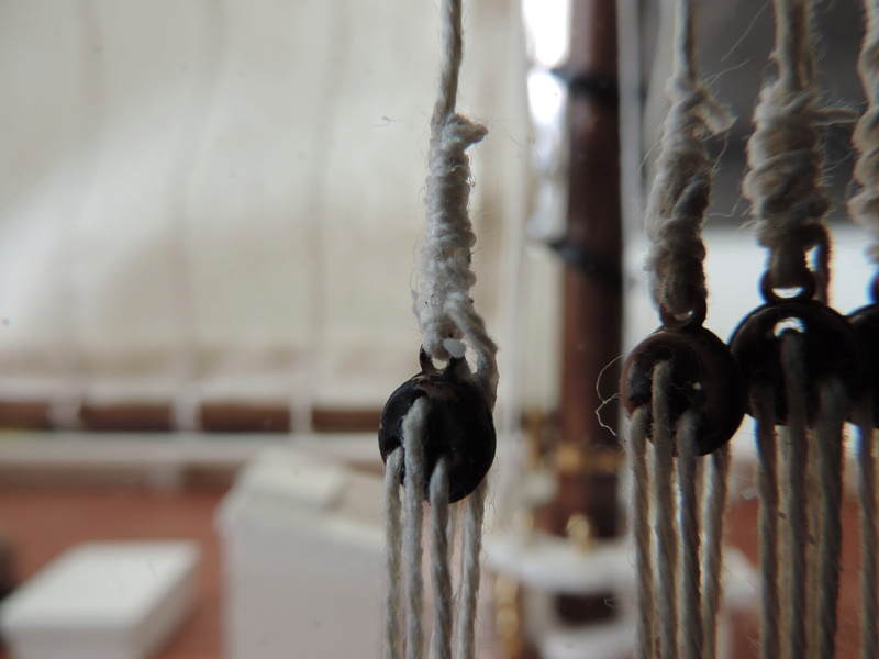 Bluenose de Billing's Boat 1:65 - Page 3 Dscn0154