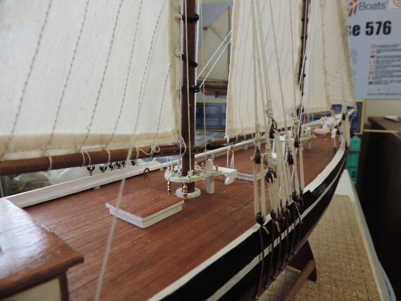 Bluenose de Billing's Boat 1:65 - Page 3 Dscn0163