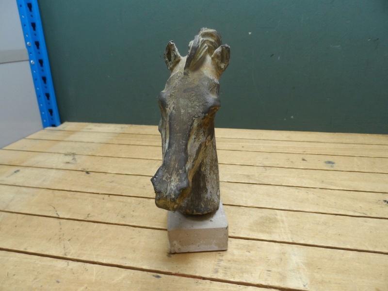 Horse head sculpture S-l16044