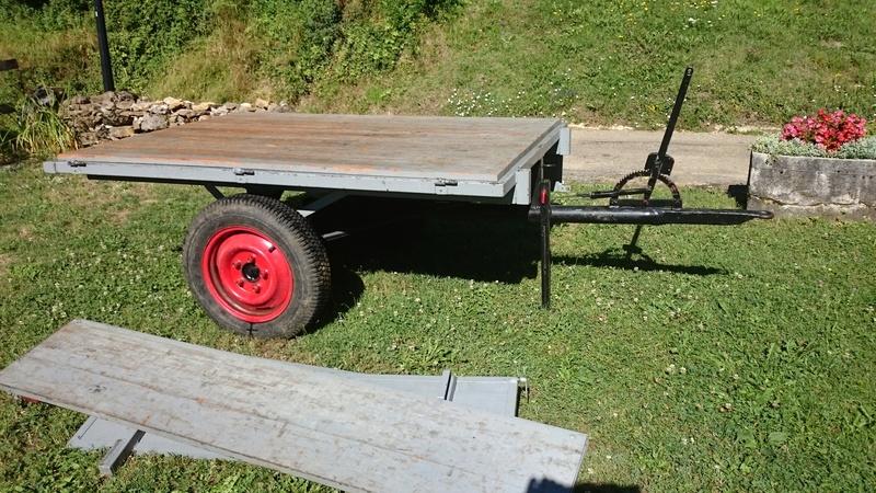 remorque - ( Vends ) Remorque pour petit tracteur Dsc_0011