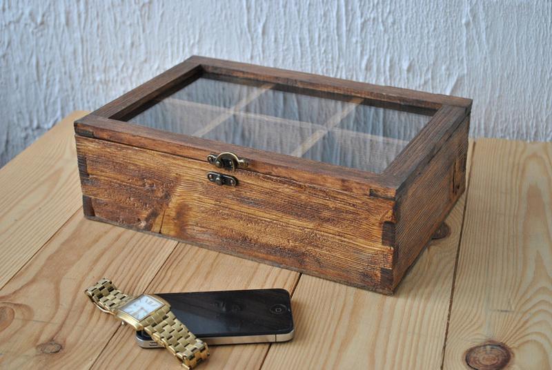 [SUJET UNIQUE] écrin, boîte ou coffret pour ranger les montres... tome II Box110