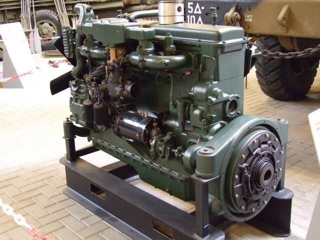 AMT 1/25 719 Diamond Reo Tractor 16002910