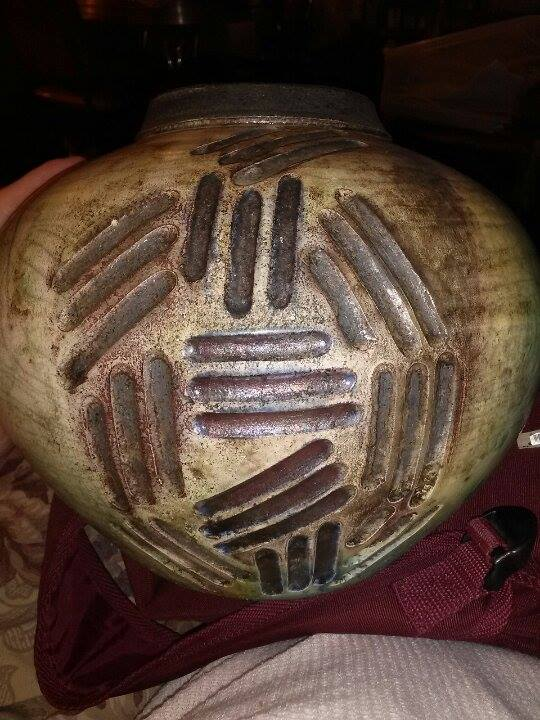 Can you read the name :/ Beautiful partial raku/glaze. Possibly NC pottery. 16144611