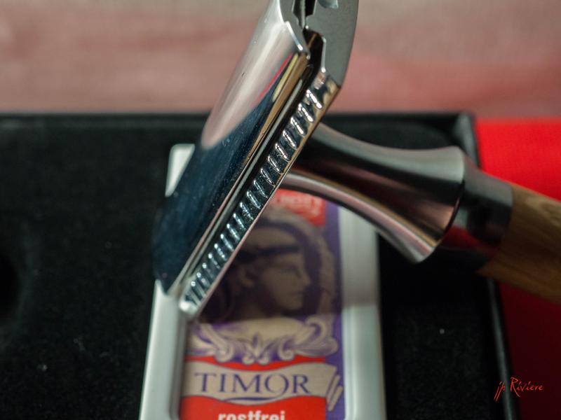 Timor 1362 manche inox et bois Timor310