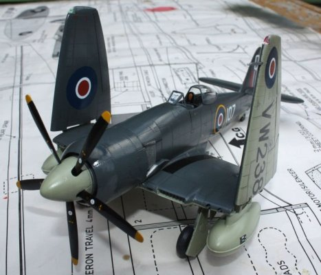 Première maquette : Hawker Sea fury FB 11 (Airfix 1/72) 39203510