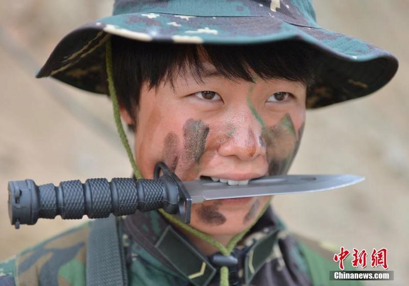 soldates du monde en photos - Page 8 12697910