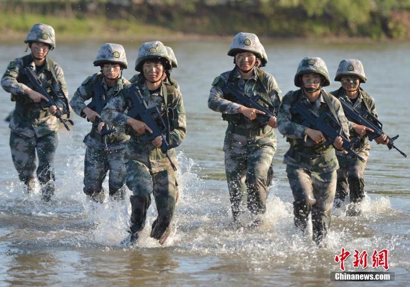 soldates du monde en photos - Page 8 12697913