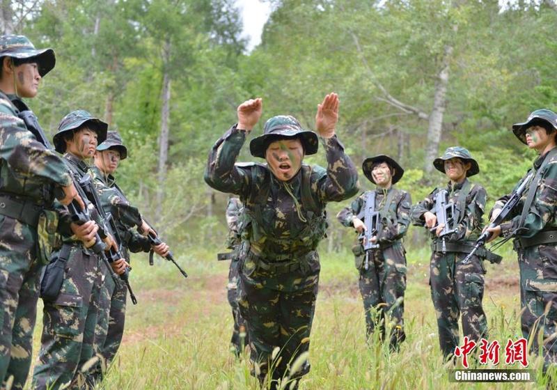 soldates du monde en photos - Page 8 12697916