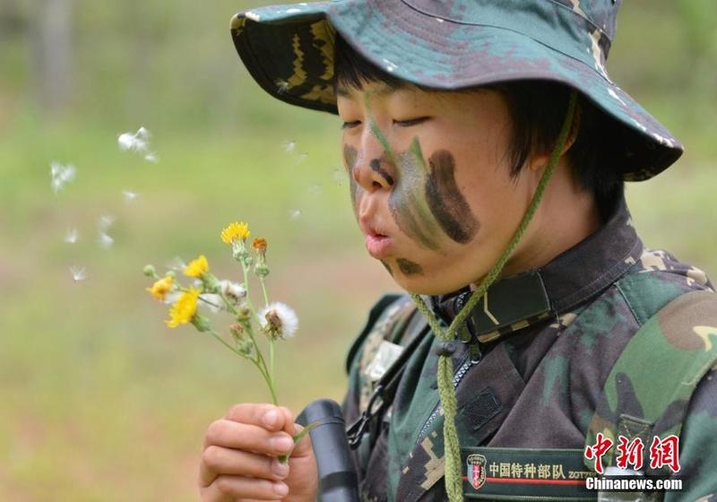 soldates du monde en photos - Page 8 12697917