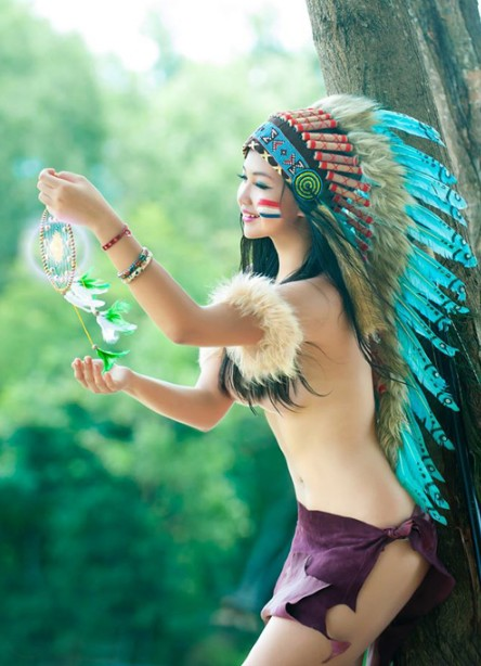 Bộ ảnh thổ dân bán nude  1013