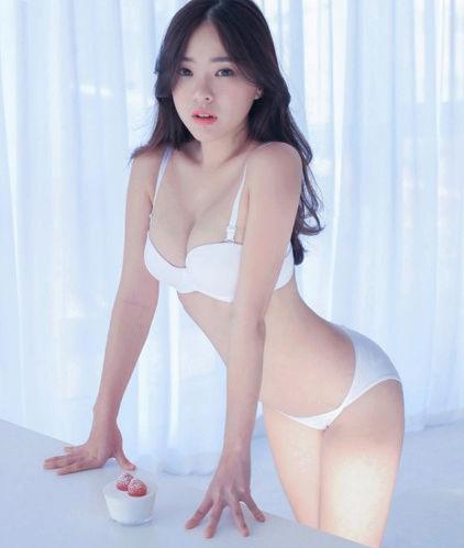 """Người mẫu nội y """"chân ngắn"""" nóng bỏng nhất xứ Hàn 1110"""