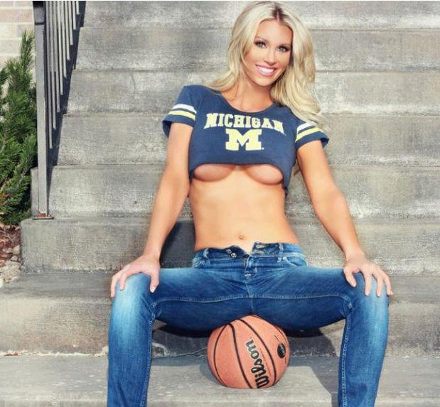 Elle Johnson - nữ sinh quyến rũ mê bóng rổ 513