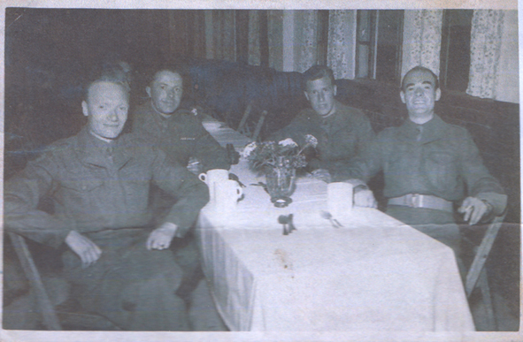 Trying to locate / identify forces club in post WWII Berlin B_club20