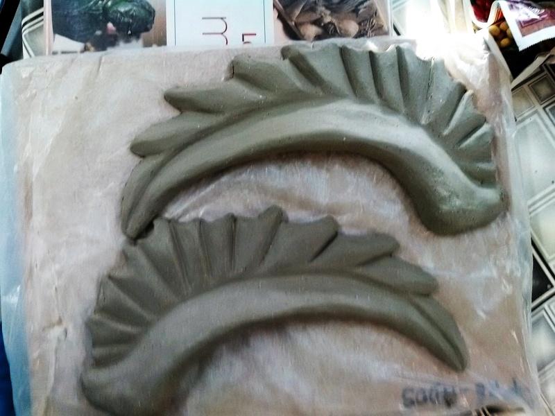 demande d'aide pour sculpture ailée Img_2012