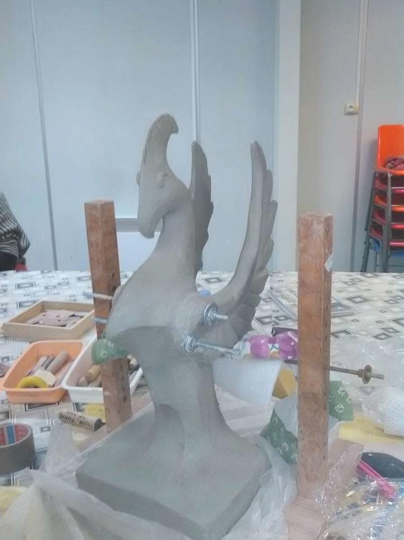 demande d'aide pour sculpture ailée Img_2013