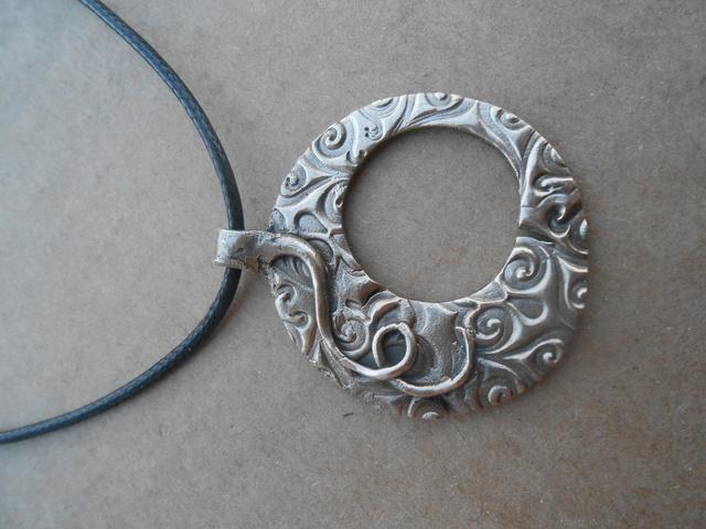 pendentif en bronze blanc Dscn0810