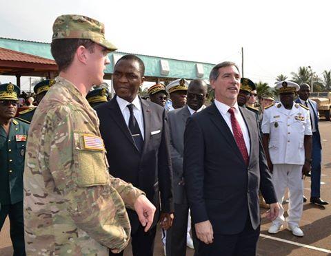 Forces Armées Camerounaises - Page 4 A1570010