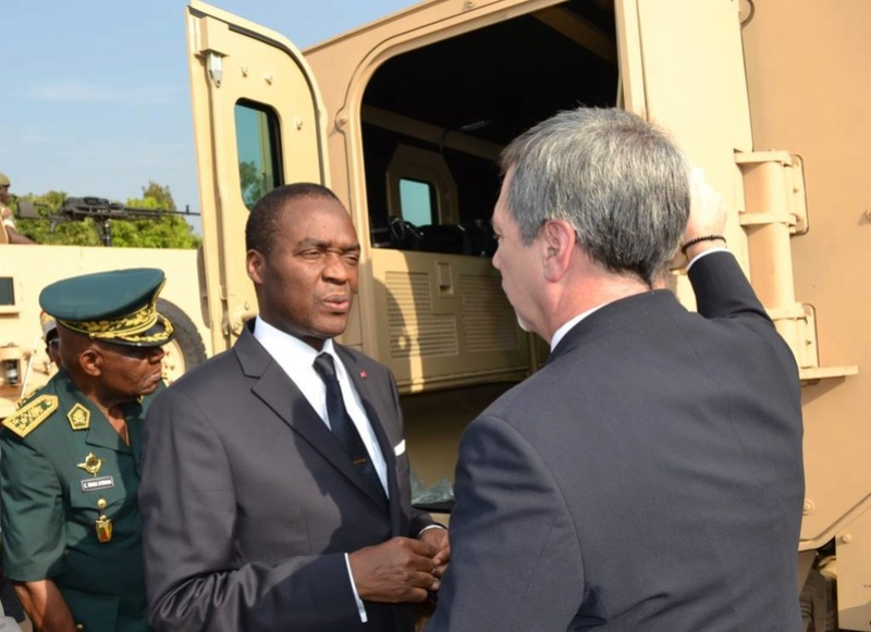 Forces Armées Camerounaises - Page 4 A1570210