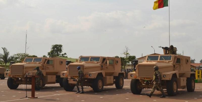 Forces Armées Camerounaises - Page 4 A1570410