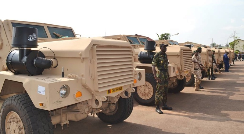 Forces Armées Camerounaises - Page 4 A1570510