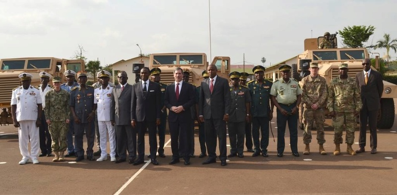 Forces Armées Camerounaises - Page 4 A1570610