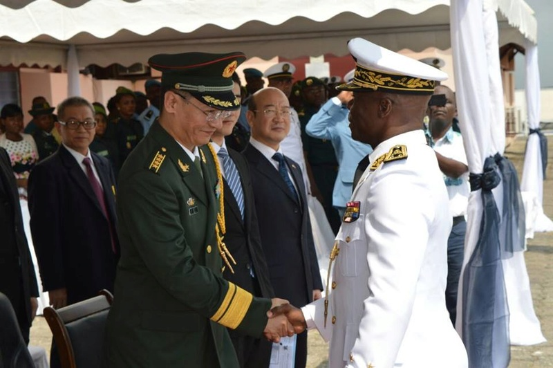 Forces Armées Camerounaises - Page 4 A1582610