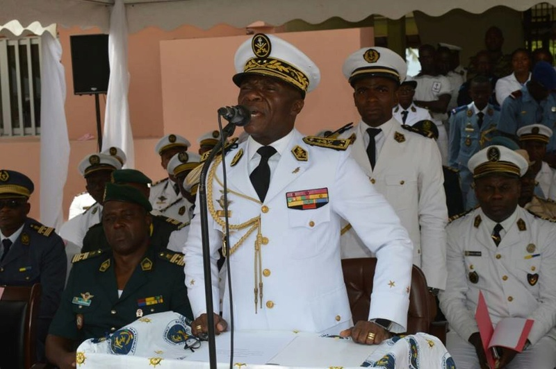 Forces Armées Camerounaises - Page 4 A1583010