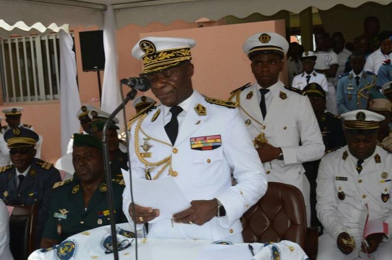 Forces Armées Camerounaises - Page 4 A1583310