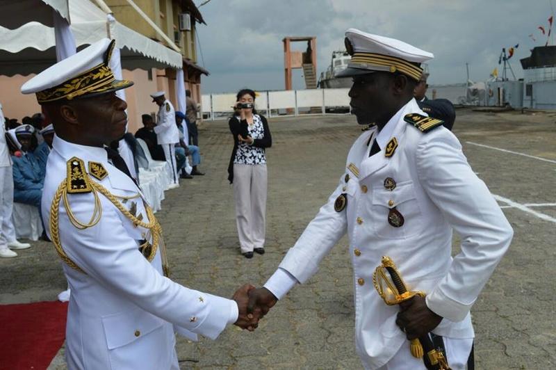 Forces Armées Camerounaises - Page 4 A1583510