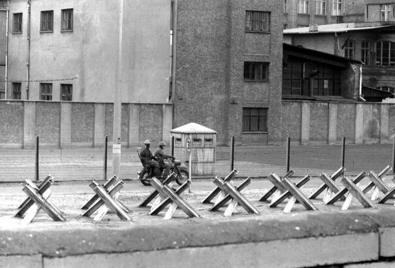 Berlin Wall Patrol Berlin10