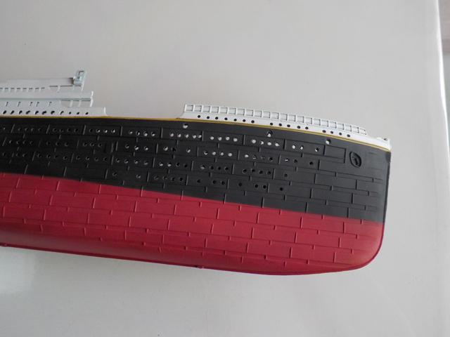 Titanic 1/400 de Revell - Page 3 Dscn0134
