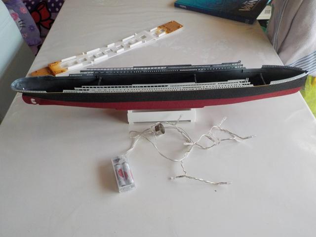 Titanic 1/400 de Revell - Page 3 Dscn0135