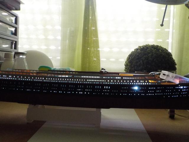 Titanic 1/400 de Revell - Page 3 Dscn0137