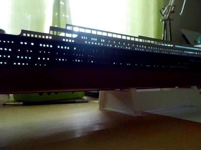 Titanic 1/400 de Revell - Page 3 Dscn0138
