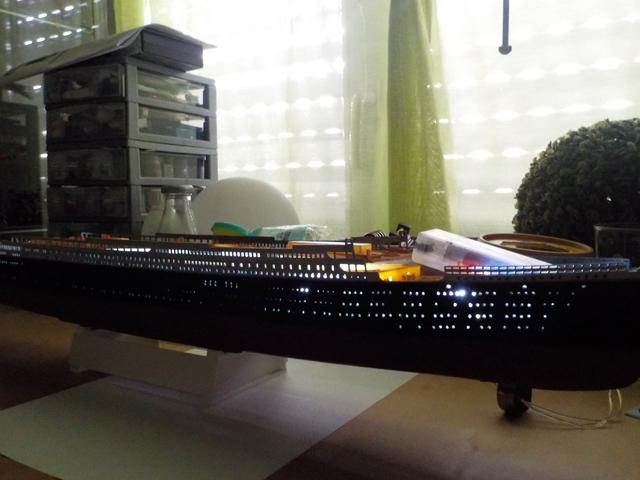 Titanic 1/400 de Revell - Page 3 Dscn0139