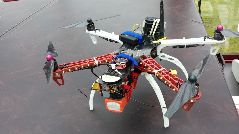 Drones et  technique - Page 2 20150411