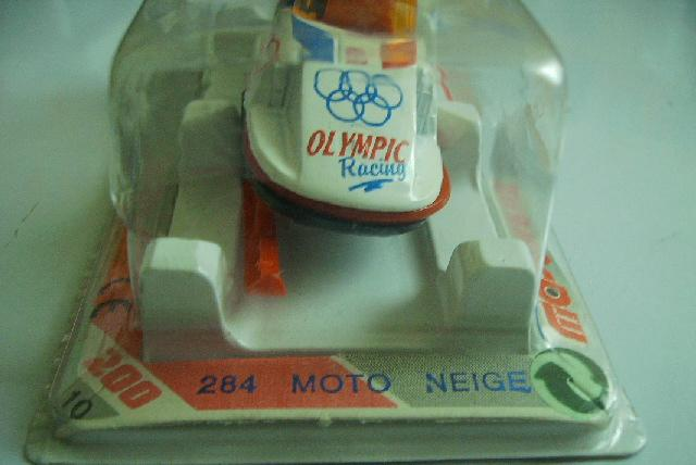 N°284 MOTO-NEIGE  Pict4012