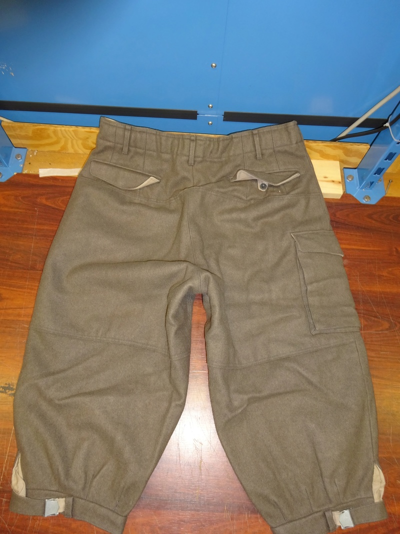 some pics of never worn Austrian Army mountain troops' knee-breeches (Berghose) 02_dsc10