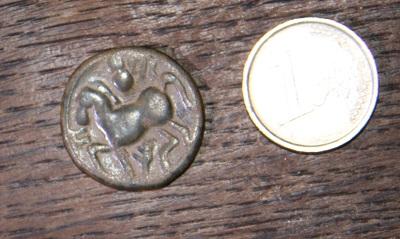 Monnaie Gauloise ? Imitation philippe II de Macédoine ... 210