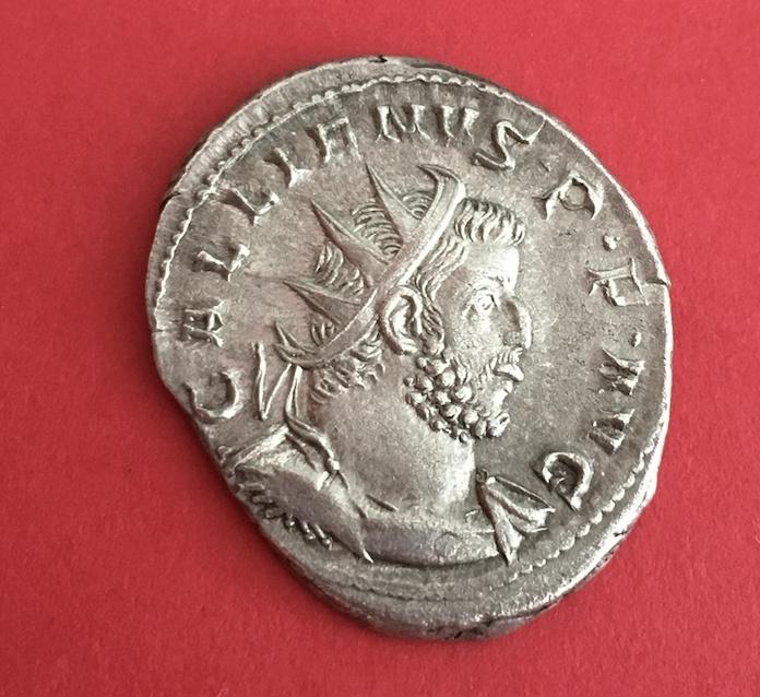 Nouvelle monnaie . un ré Gallien  Captur14