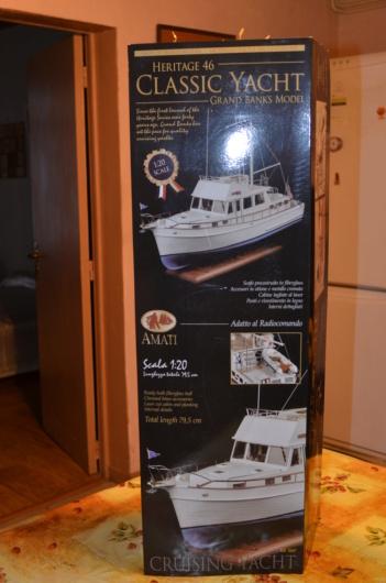 Yacht Grand Banks (RC Amati 1/20°) par caputsyl Dsc_1916