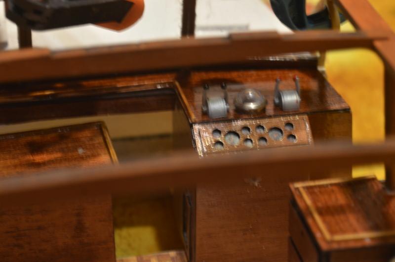 Yacht Grand Banks (RC Amati 1/20°) par caputsyl Dsc_1936