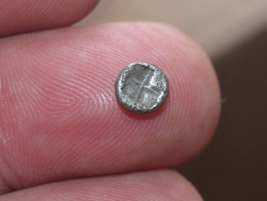 Hemiobol de Jonia[, Focea. Ca 525-500 a.C. Cabeza de foca 600a10