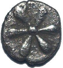 Hemiobolo de plata. Kyme, Aeolis, Siglo IV a.C.  632a10