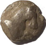 Hemiobolo de plata. Kyme, Aeolis, Siglo IV a.C.  632b11