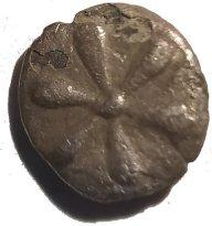 Hemiobolo de plata. Kyme, Aeolis, Siglo IV a.C.  632c11